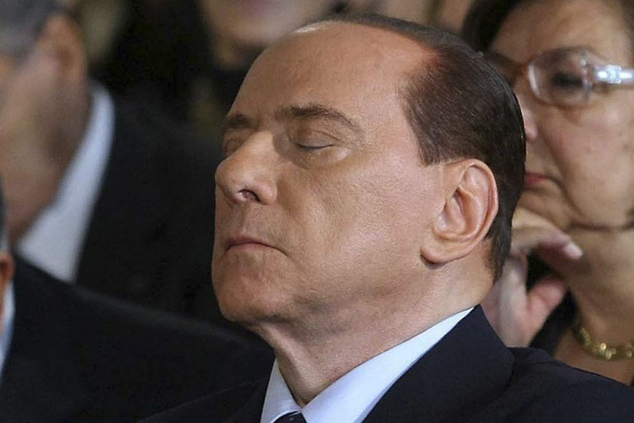 Le chef du gouvernement italien, Silvio Berlusconi.... (Photo: Roberto Monaldo, AP)