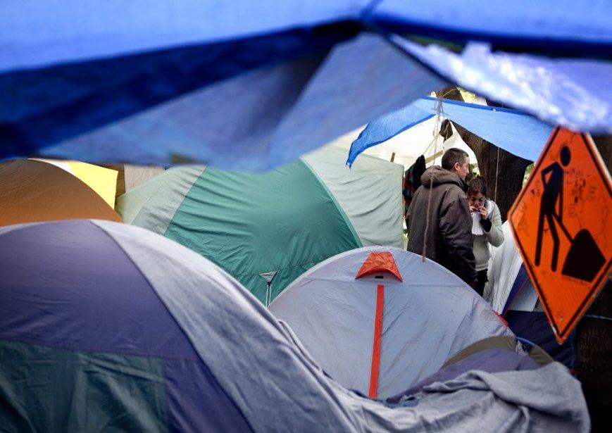 Tentes et bâches, les «indignés» sont là pour rester. (Photo: Marco Campanozzi)
