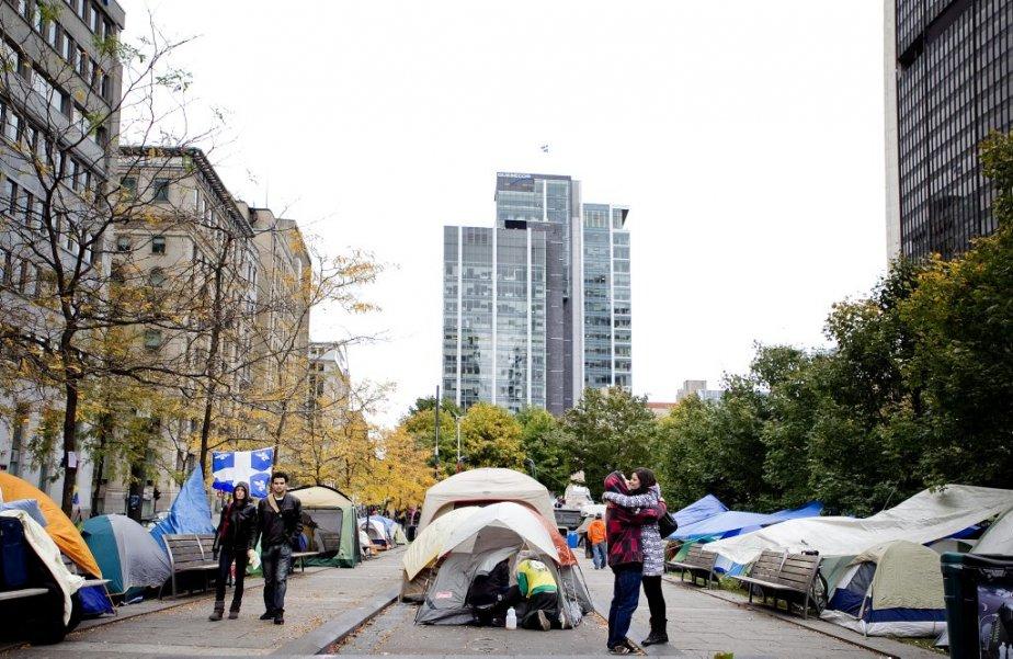 La multiplication des tentes se poursuit. (Photo: Marco Campanozzi)