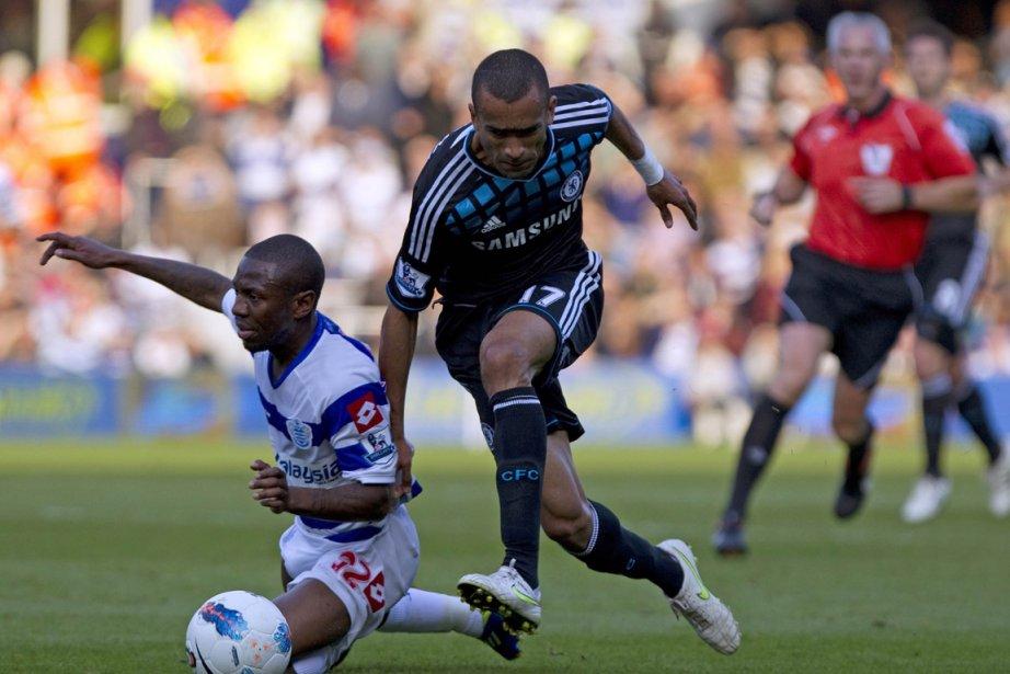 Chelsea, lors du match contre les Queens Park... (Photo Adrian Dennis, AFP)