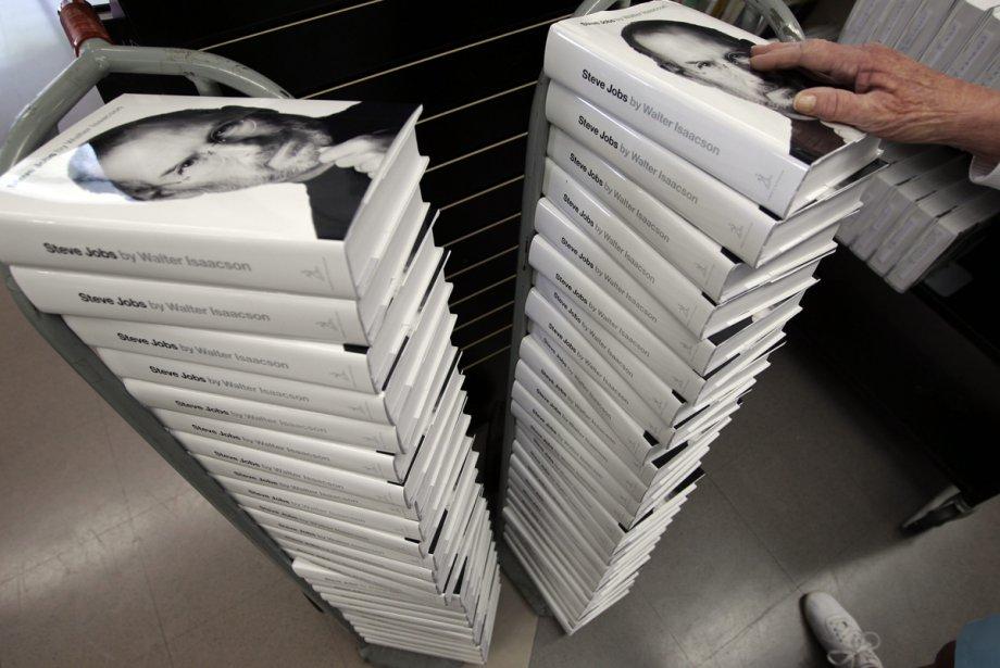 Les éditions de la biographie de Steve Jobs... (Photo: AP)