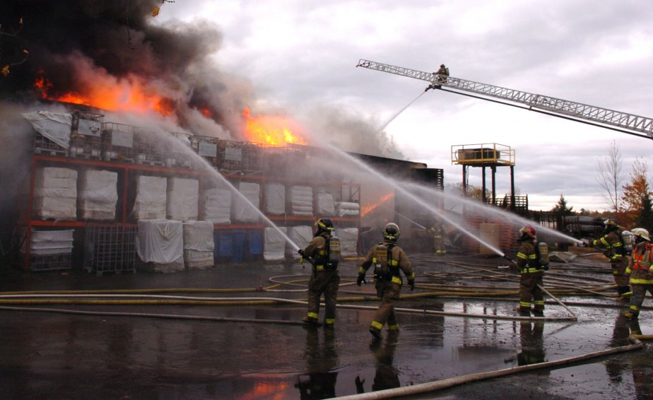 L'usine Concept Inferno a été complètement détruite par un incendie... | 2011-10-25 00:00:00.000