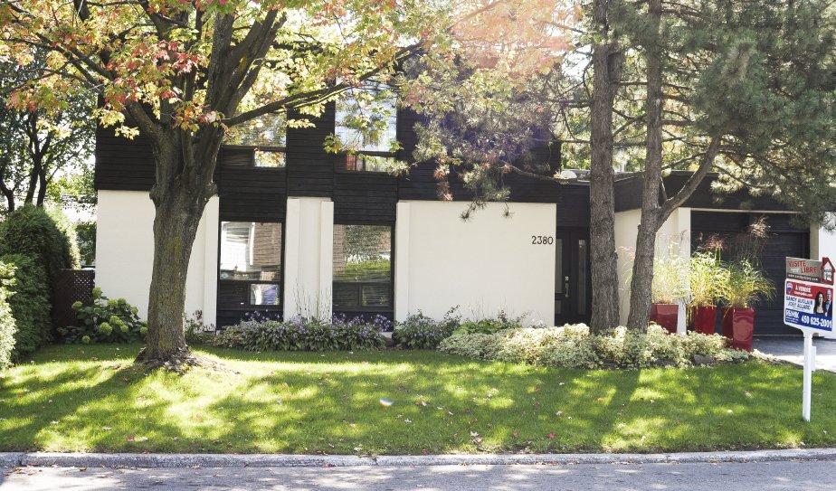 leur 10e maison est vendre cyberpresse. Black Bedroom Furniture Sets. Home Design Ideas
