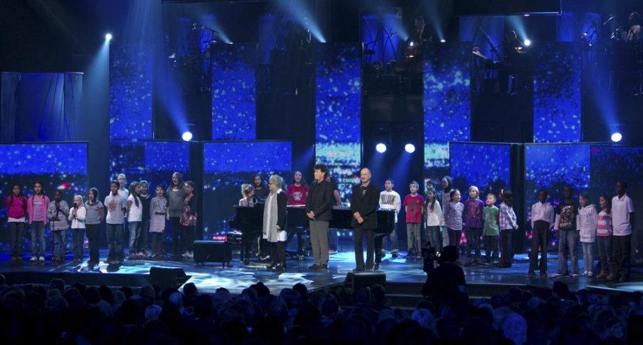 Fred Pellerin, Catherine Major, Louise Fortestier, Richard Séguin et Robert Charlebois ont participé à un hommage chanté à Gilles Vigneault. | 30 octobre 2011