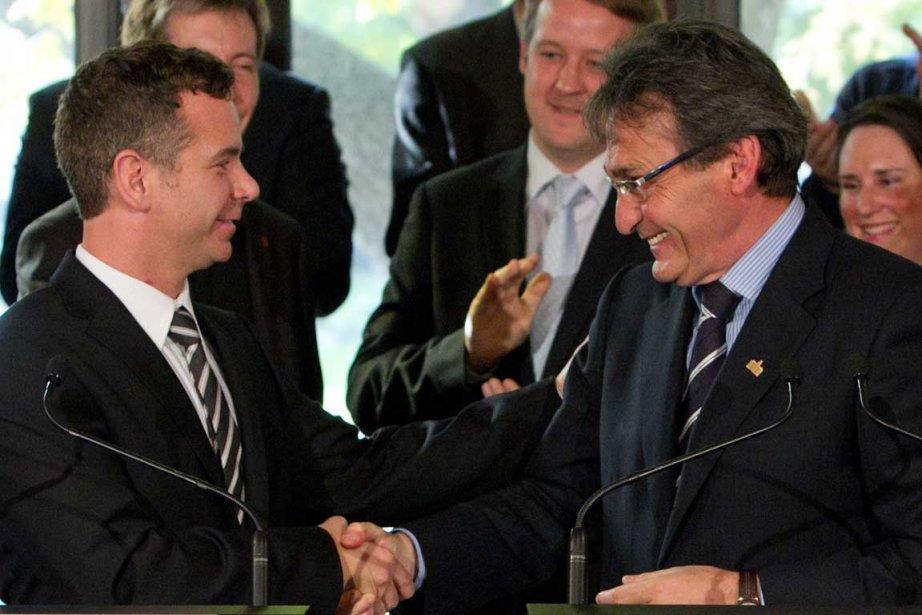 François Croteau et son nouveau chef Richard Bergeron.... (Photo Hugo-Sébastien Aubert, La Presse)