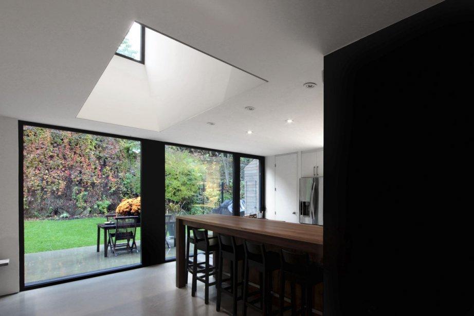 comment attirer la lumi re lucie lavigne r novation. Black Bedroom Furniture Sets. Home Design Ideas