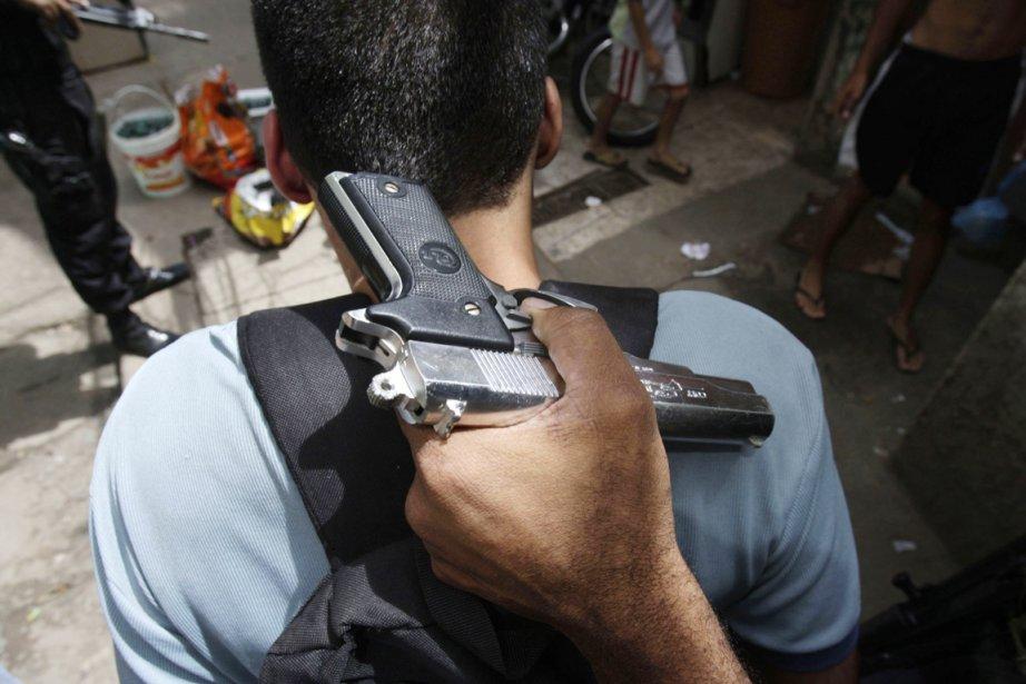 Cette année, une campagne publique de désarmement a... (Photo: Bruno Domingos, Archives Reuters)