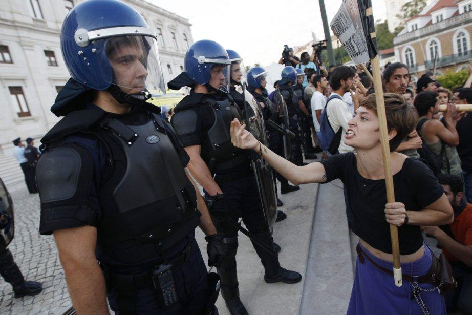 Le 24 novembre prochain, les Portugais sont appelés... (Photo: Rafael Marchante, Archives Reuters)