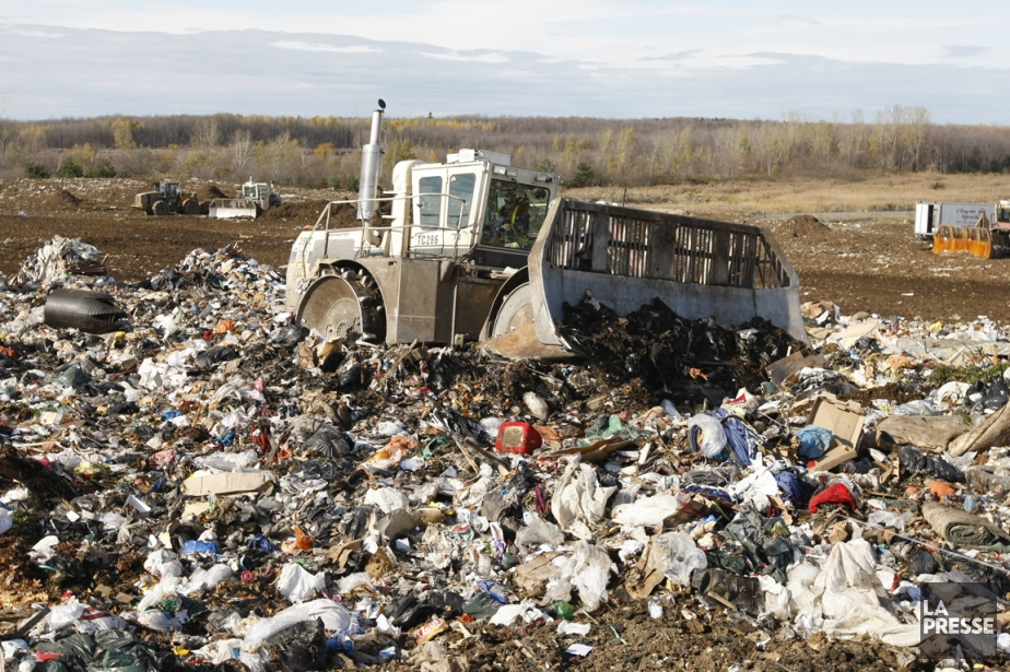 Le compostage et la biométhanisation visent les résidus... (Photothèque La Presse)