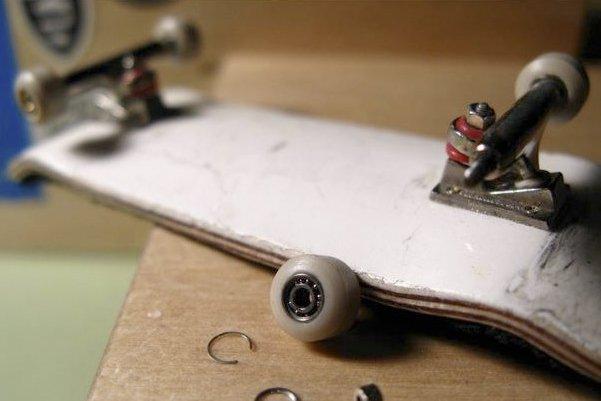 Le finger skate, vous... (Photo fournie par la galerie Morgan Bridge.)