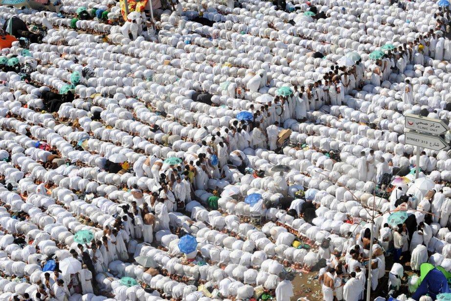 Plus de deux millions de musulmans venus du monde entier étaient  rassemblés...