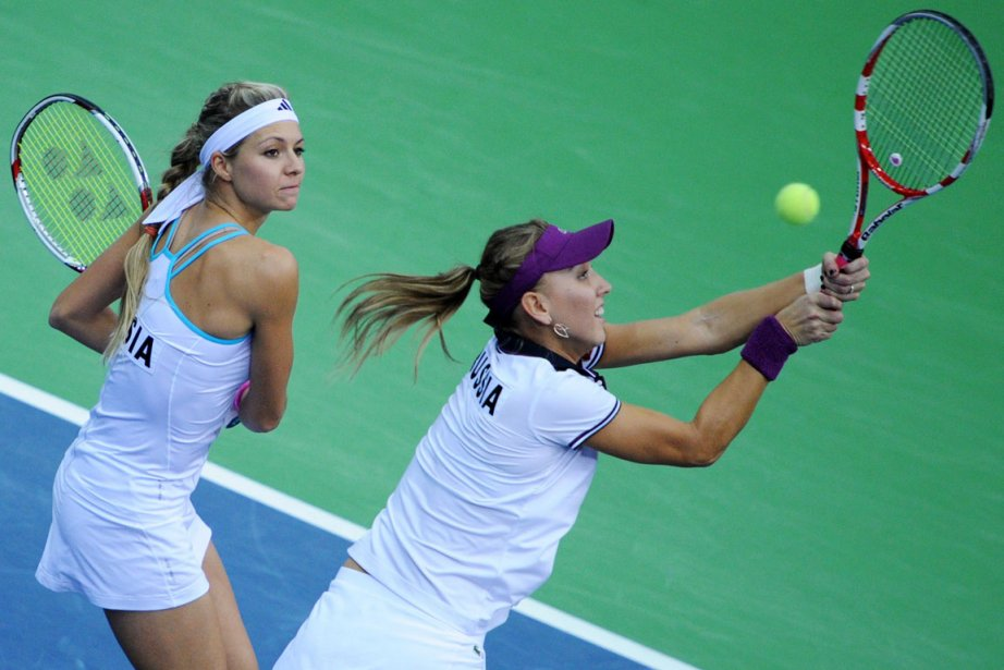 Elena Vesnina (droite), et Maria Kirilenko, tous deux... (Photo: KIRILL KUDRYAVTSEV, AFP)