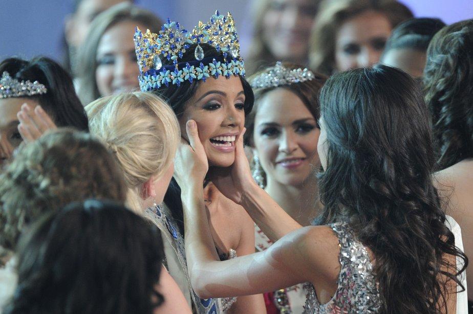 Miss Vénézuela, Ivian Sarcos, au centre, a été sacrée Miss Monde 2011 dimanche à Londres. C'est la 6e fois que ce pays remporte la prestigieuse couronne, un record. | 6 novembre 2011