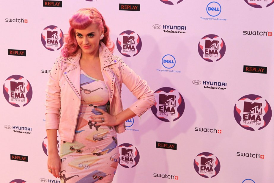 Katy Perry sur le tapis rouge des MTV... (Photo: Peter Muhly, AFP)