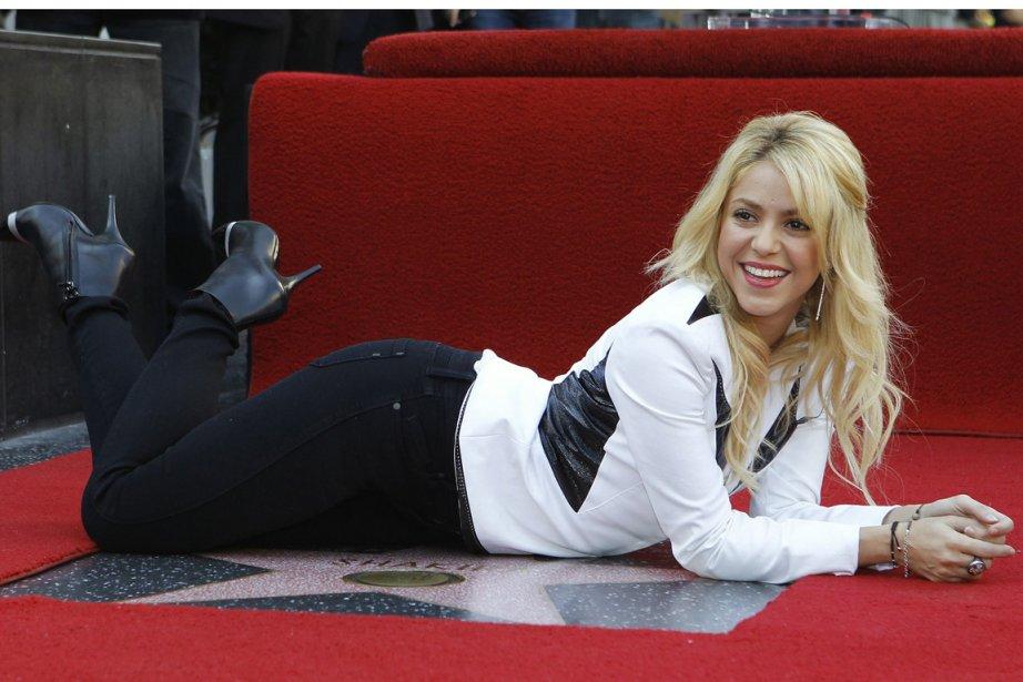 Shakira lors du dévoilement de son étoile sur... (Photo: Mario Anzuoni, AP)