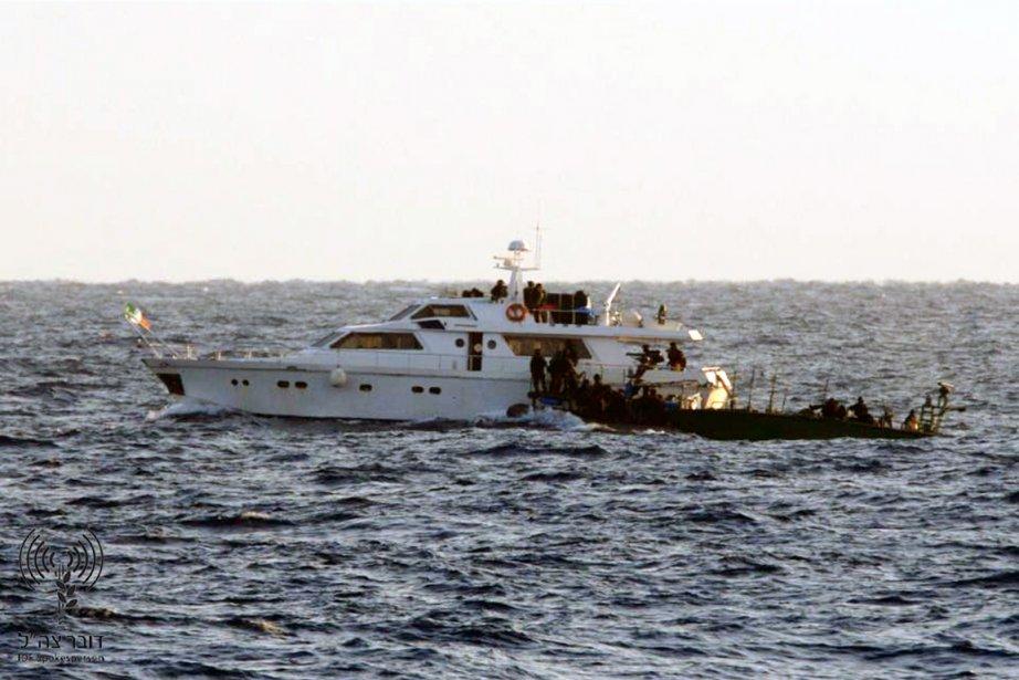 Un commando de la marine israélienne aborde le... (Photo: Reuters)