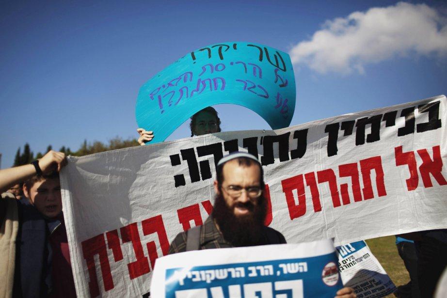 Depuis plusieurs semaines, le lobby des colons, relayé... (Photo: Menahem Kahana, AFP)