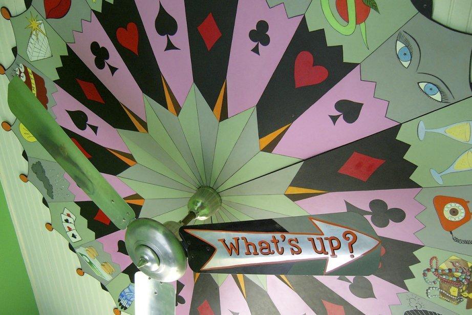 Une fresque sur le plafond d'une chambre... (Photo: Simon Chabot, La Presse)