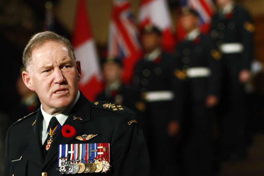 Le général Natynczyk a souligné que le cénotaphe... (Photo: Nathan Denette, Archives La Presse Canadienne)