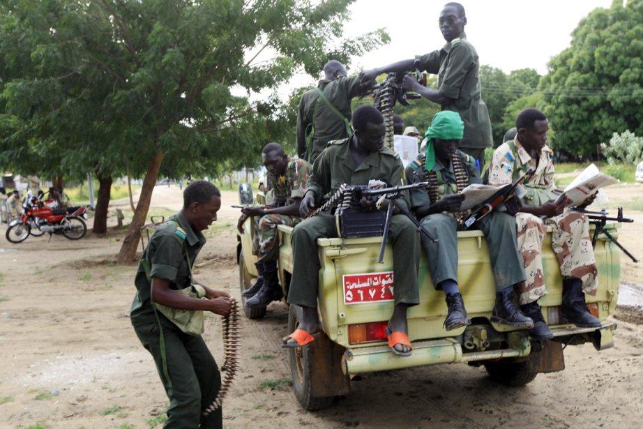 Des soldats de l'armée soudanaise au repos, après... (Photo: Mohamed Nureldin Abdallah, Archives Reuters)