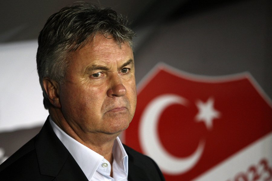 Guus Hiddink... (Photo archives AP)