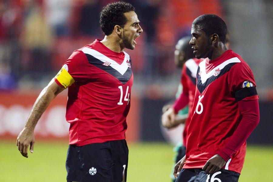 Dwayne De Rosario et Olivier Occean, de l'équipe... (Photo: Reuters)