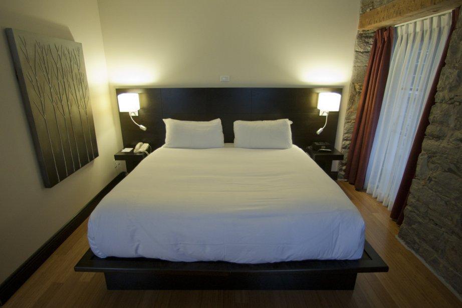 Déjouer les petites dimensions: la tête de lit... (Photo: Ivanoh Demers, La Presse)