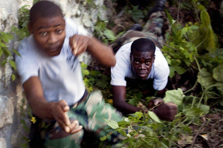 Le 9 novembre à Port-au-Prince, des volontaires participaient... (Photo: Ramon Espinosa, AP)