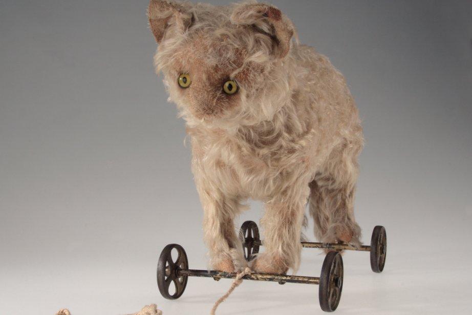 Chat en peluche (1890-1910)... (Photo: fournie par le Musée McCord)