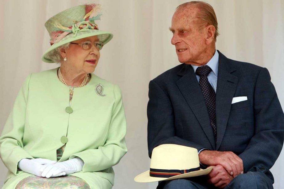 La reine Elizabeth II et son époux le... (Photo Reuters)