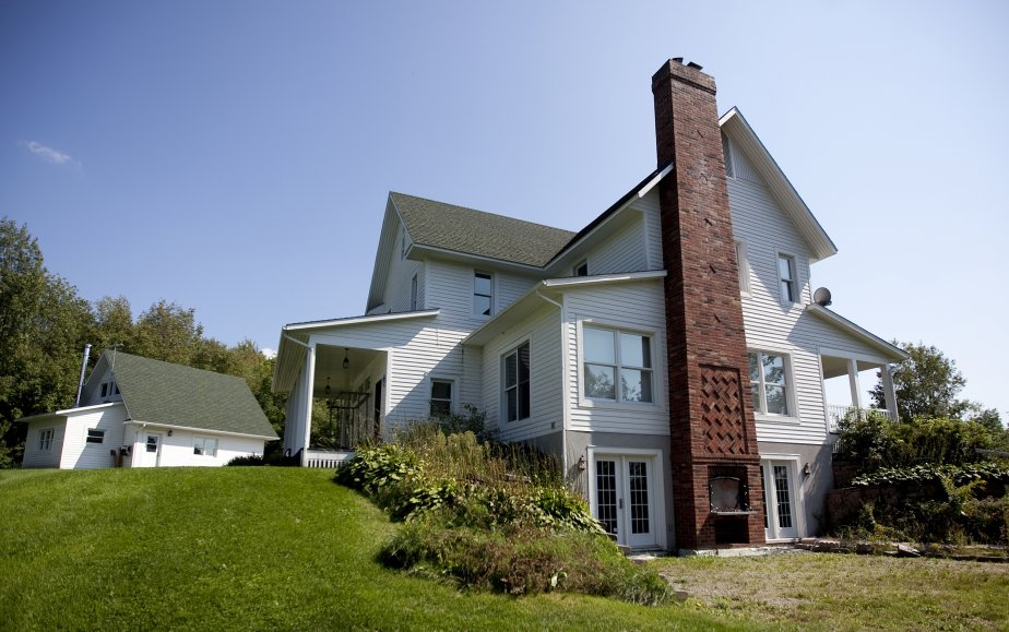 Une maison trois fois plus petite lucie lavigne maisons - Sous sol surface habitable ...