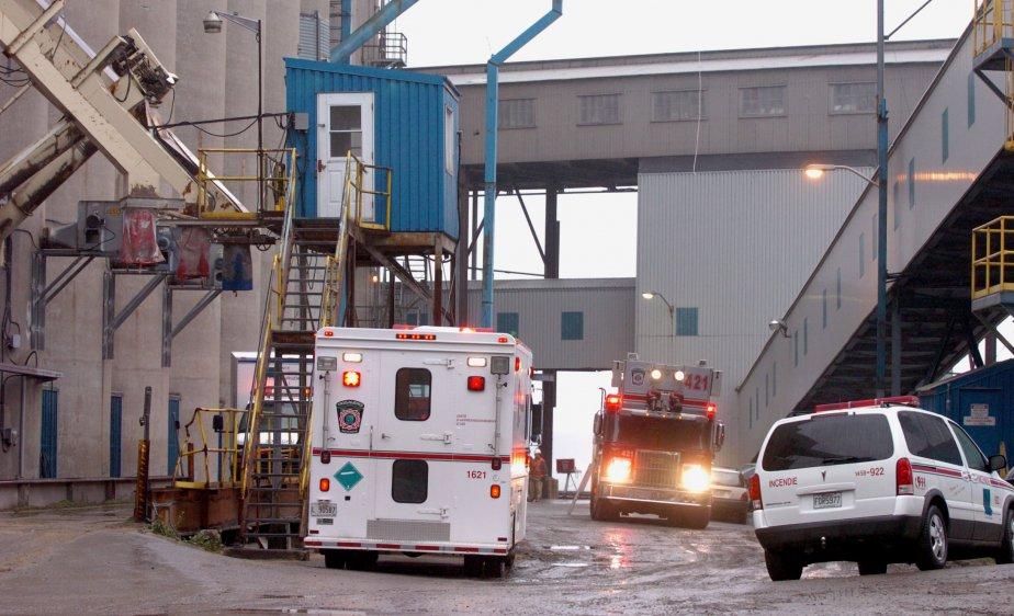 Un travailleur d'une cinquantaine d'années a fait une chute mortelle... | 2011-11-29 00:00:00.000