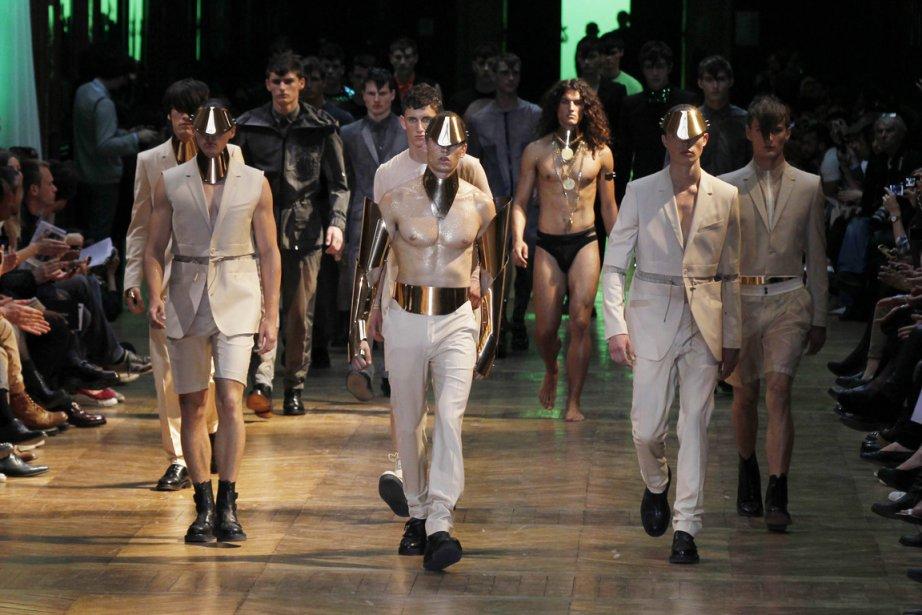 Des créations de la marque Thierry Mugler, présentées... (Photo: AFP)