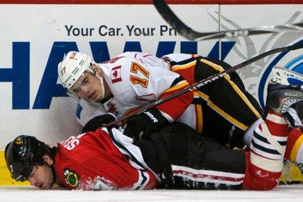 L'attaquant des Flames de Calgary Rene Bourque a été suspendu deux... (Photo: AP)