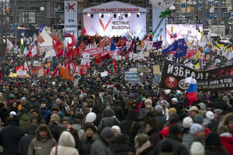 Une foule immense d'opposants russes s'est rassemblée le...