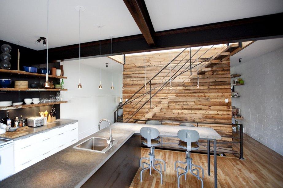 Dans ce duplex transformé en maison à étage... (Photo: Marco Campanozzi, La Presse)