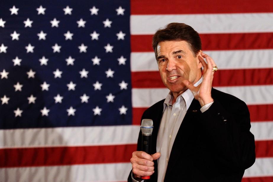 Le candidat Rick Perry, gouverneur du Texas, accuse... (Photo: AFP)
