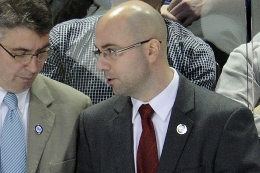 L'entraîneur adjoint des Jets de Winnipeg, Pascal Vincent.... (Photo: Bernard Brault, La Presse)