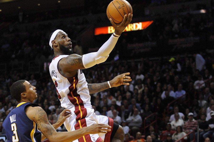 LeBron James a inscrit 33 points dans la... (Photo: Reuters)