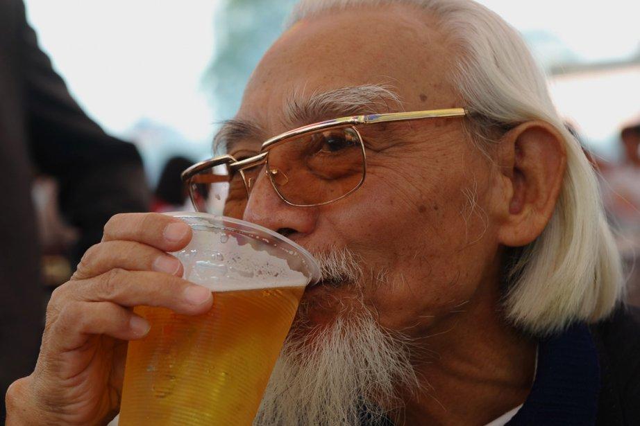 La consommation de bière continue son ascension à travers le... (Photo: AFP)