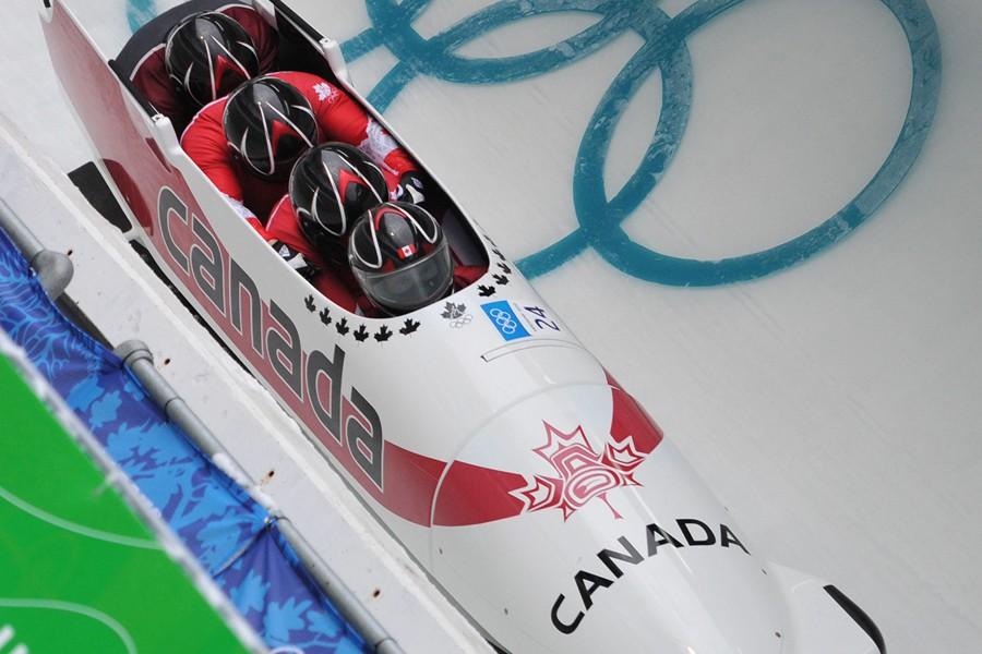 Les trois bobeurs canadiens, victimes d'un accident à... (Archives AFP)
