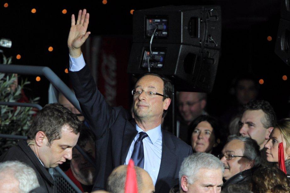 François Hollande, candidat socialiste à la présidentielle d'avril,... (Photo: Kenzo Tribouillard, Agence France-Presse)