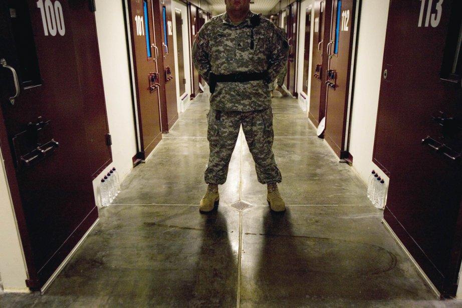 Un garde à l'intérieur de la zone à... (Photo: Paul J. Richards, AFP (Archives))