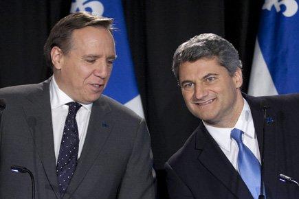 Le chef de l'ADQ, Gerard Deltell, à droite,... (Photo: PC)