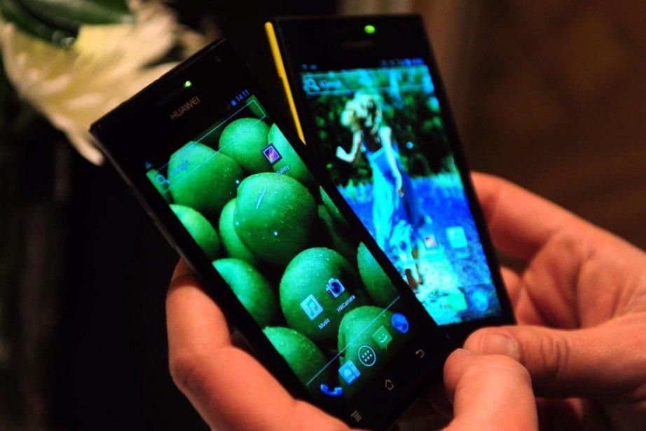 Le téléphone Ascend P1S de Huawei est le... (Photo: AFP)