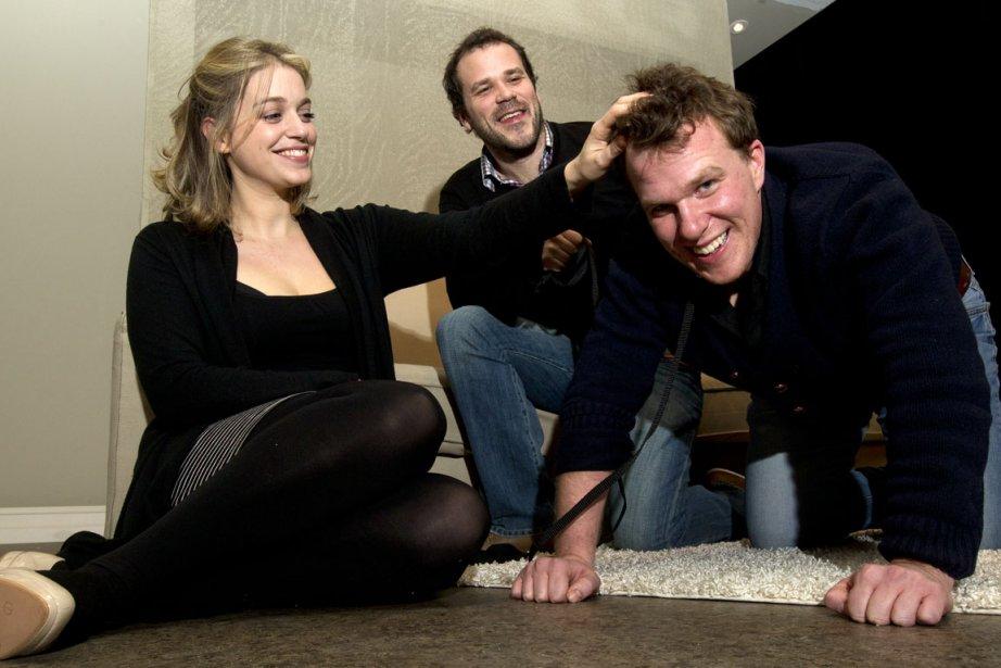 L'auteur Pier-Luc Lasalle (au centre), avec la comédienne... (Photo: Robert Skinner, La Presse)