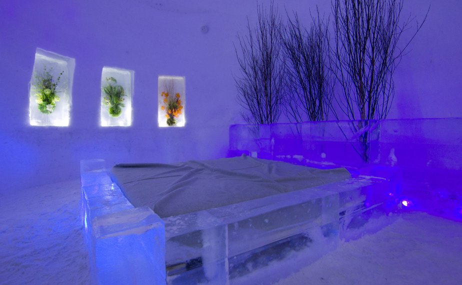 Ice Hotels Montreal Quebec Cities Of Ice Decogirl Montreal Home Decorating Blog