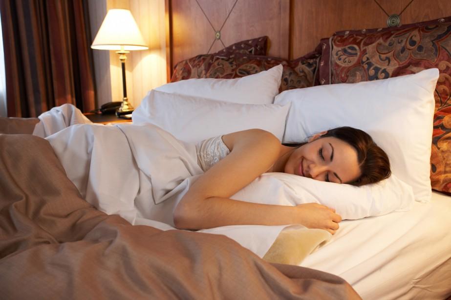 «De quel côté du lit faut-il dormir?» La chaîne... (PHOTO ARCHIVES PHOTOS.COM)