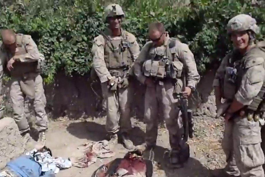 Des images de soldats américains qui urinent sur... (Photo: Reuters/YouTube)