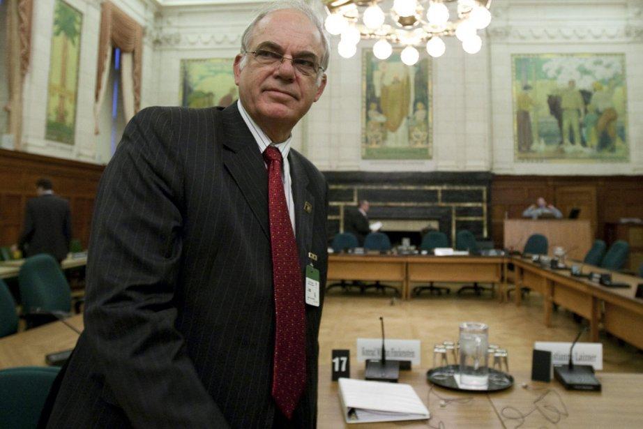 L'actuel président du CRTC, Konrad Von Finckenstein.... (Photo: Adrian Wyld, PC)